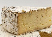 Brie au poivre (Brie with pepper)