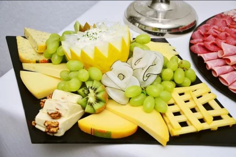 cheese n fruits