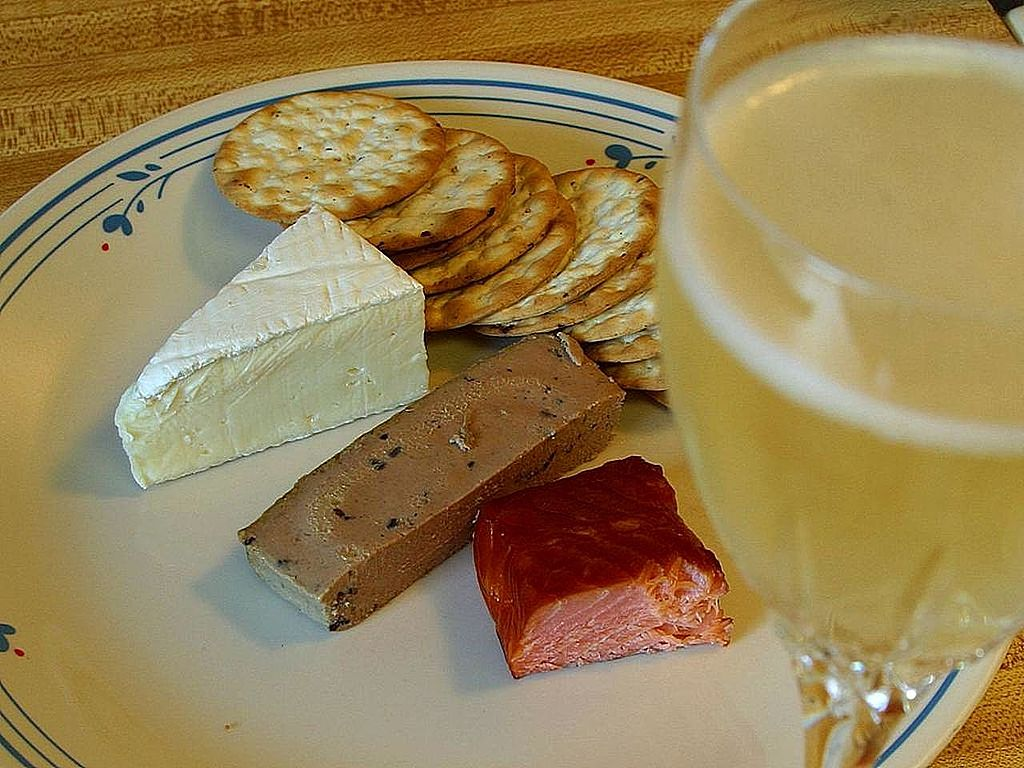 Champagne and brie cheese